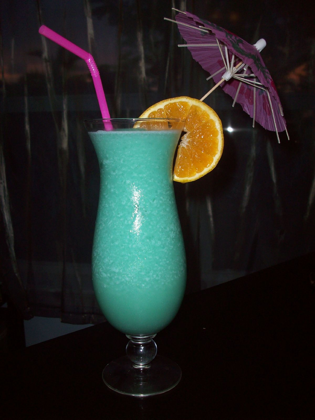 blue hawaiian cocktail recipe with drink picture. Black Bedroom Furniture Sets. Home Design Ideas