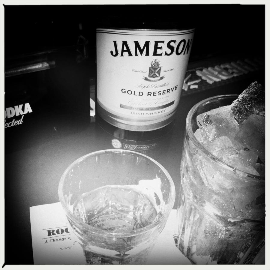 Jameson grand reserve cocktail recipe with drink picture for Jameson mixed drinks recipes
